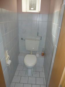 WE 3, Toilette